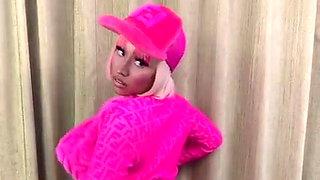Nicki Minaj epic cleavage