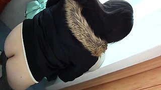 Extremely hot big ass brunette on cam