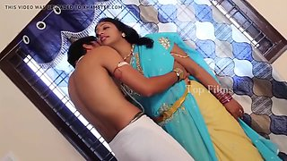 Indian aunty romantuic bed room scenes