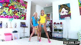 Blonde anal lovers Barbie Sins and Sophia Grace are all