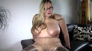 Blonde bbw in pantyhose