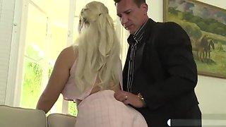 Busty latina fucks husbands assistant