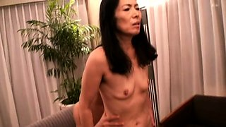 Lustful mature lady relinquishes her pussy to a young cock