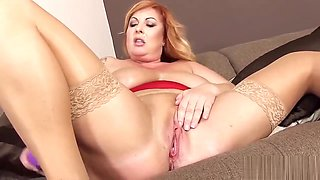 Naughty czech sweetie stretches her slim vagina to the extreme