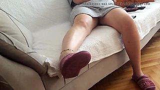 Gf&#039s sexy sitting upskirt, resting legs feets