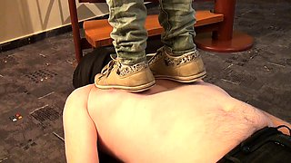 Kinky amateur man gets dominated by a sexy slim brunette