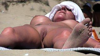 Nude Beach Voyeur Amateurs Close-Up Pussy Milfs Spy Video